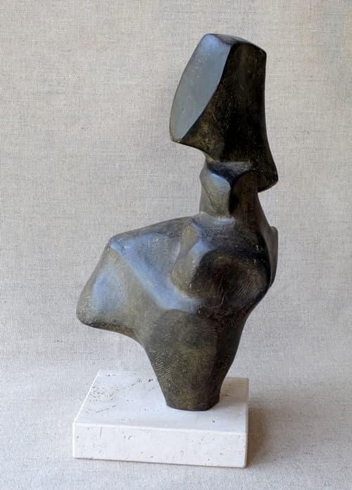 Esculturas de Joaquín García Donaire - Figura erguida