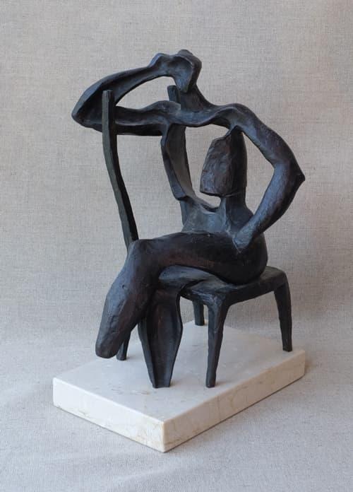 Esculturas de Joaquín García Donaire - Figura sentada